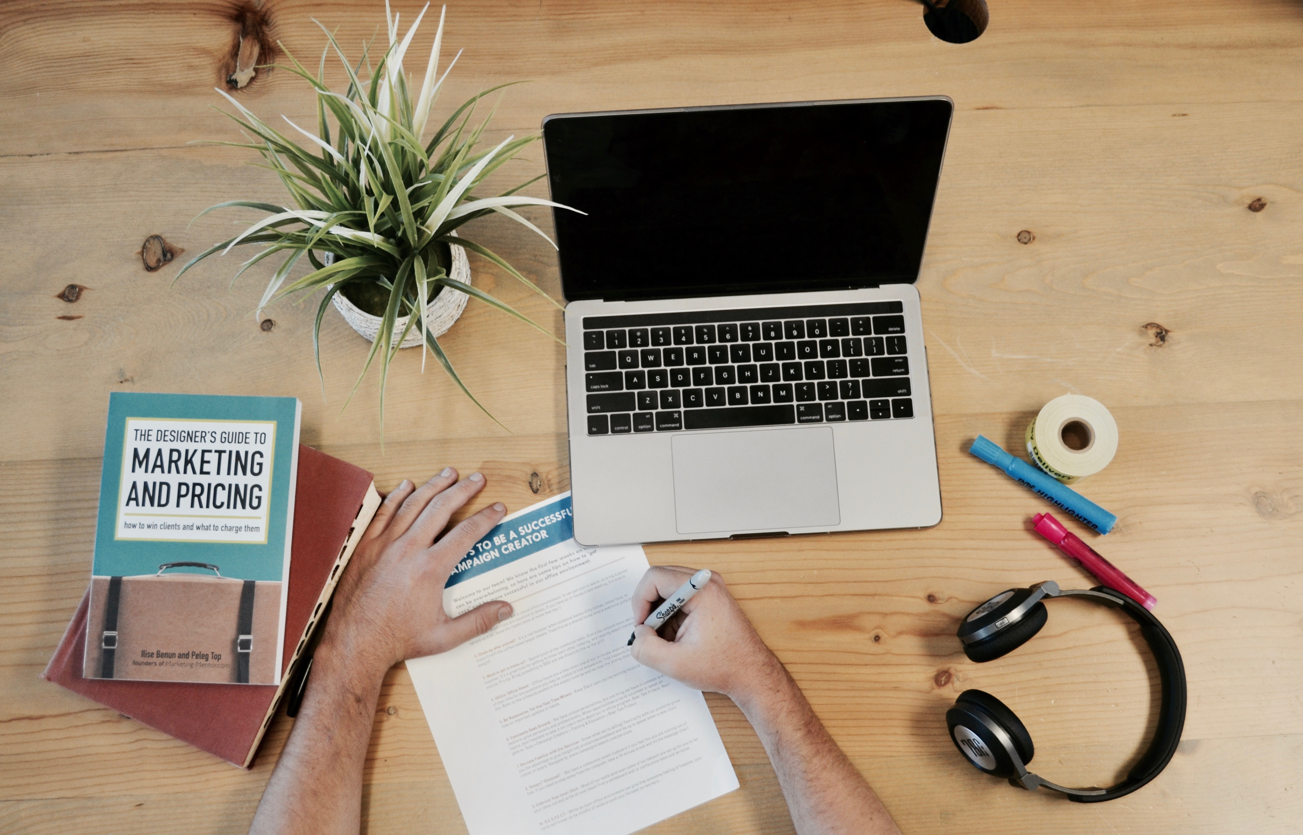 How to Use Both Content Marketing and Copywriting | Why You Need Content Marketing and Copywriting | How to Use Content Marketing and Copywriting as Part of Your Marketing Strategy | Marketing Using Copywriting and Content Writing